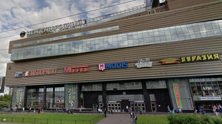 Жительница Петербурга вечером позвонила в полицию и заявила о готовящемся теракте в ТК