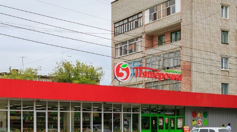 Следователи в Югре проверяют «Пятерочку», где подростка закрыли в холодильном зале. Уточняется, что сотрудники магазина заподозрили его в краже.