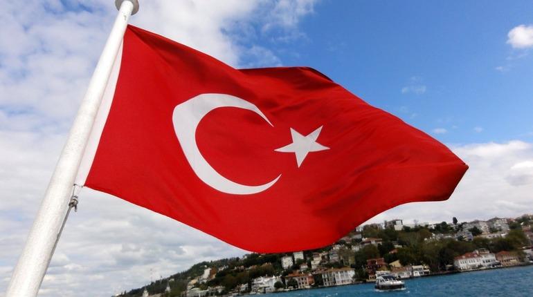 Зимние Олимпийские игры-2026, на которые претендует турецкий город Эрузум, может частично пройти в Сочи. Об этом заявил губернатор турецкой провинции Сейфеттин Азизоглу, сообщили зарубежные СМИ со ссылкой на турецкую газету Hurriyet.