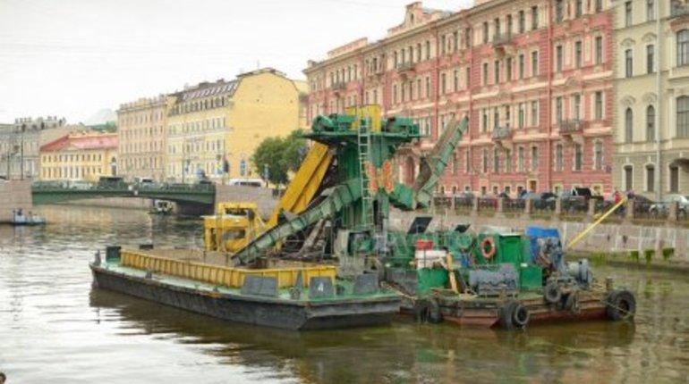 Реки и каналы Петербурга очистили от 77 куб.м отходов, сообщила пресс-служба комитета по природопользованию.
