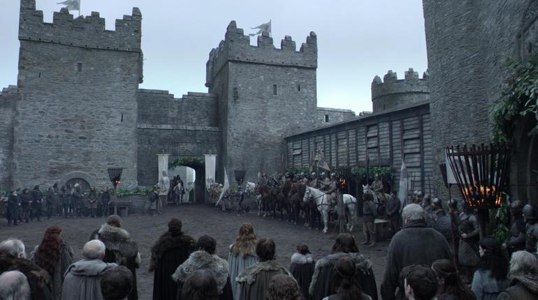 В замках, где снимали популярный сериал