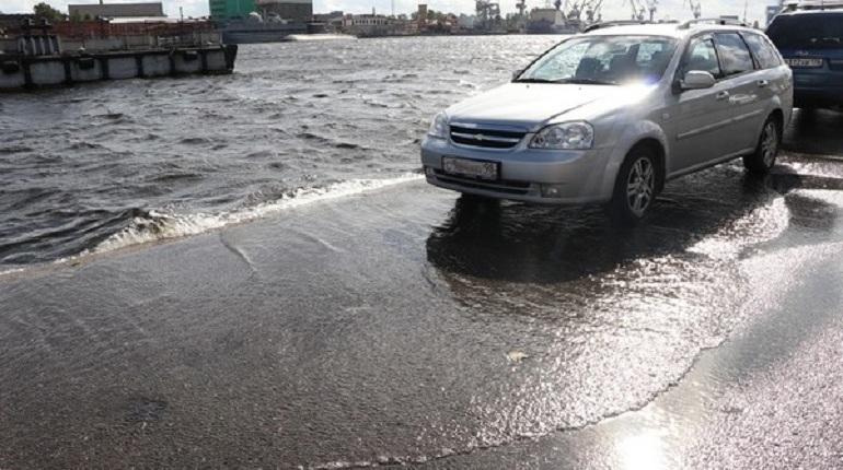 Дамба защитила Петербург от наводнения