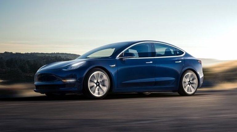 Акции Tesla обвалились на 13% после того, как на генерального директора компании Илона Маска подала иск комиссия по ценным бумагам и биржам США.