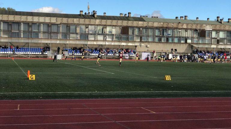 На стадионе «Динамо» на Крестовском острове прошел финальный матч Континентальной футбольной лиги. На поле встретились команды «Северный легион» из Санкт-Петербурга и «Пингвины» из Минска.