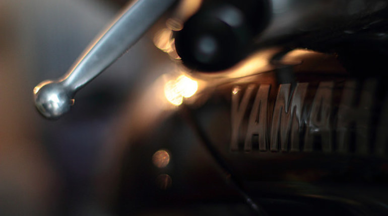Водитель BMW сбил байкера под Гатчиной