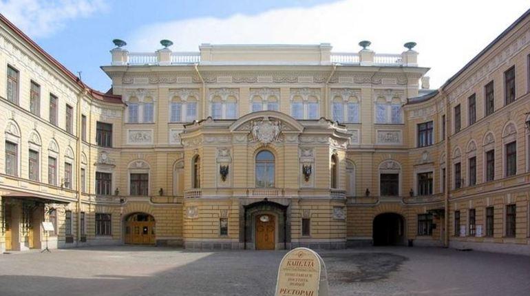 Открытие кинозала для демонстрации художественных и музыкальных фильмов в Государственной академической капелле Санкт-Петербурга состоится 1 октября.