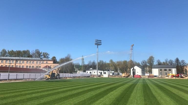 Стадион «Олимпиец» в Павловске играет в недотрогу до 2020 года