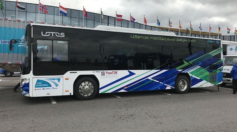 В Петербурге «РариТЭК» показал первый экологичный автобус