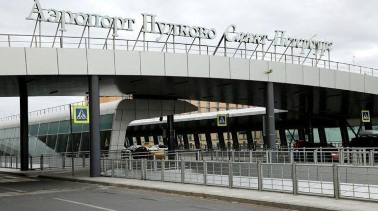 В аэропорту Пулково перенесли рейс из Петербурга в Душанбе на 15 часов.
