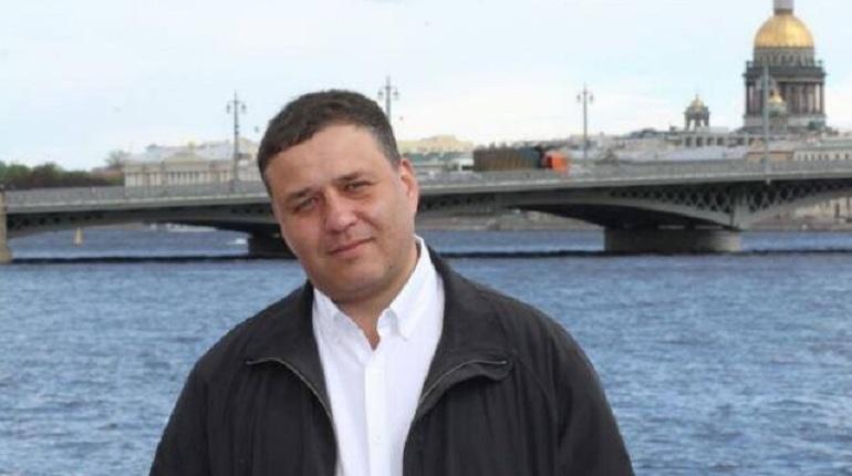 Автоэксперт: петербуржцам следует воздержаться от поездок на машинах