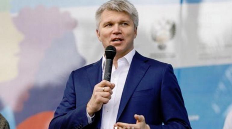 Министр спорта РФ Павел Колобков прокомментировал инцидент с Александром Кокориным и Павлом Мамаевым. По его словам, случившееся бросает тень на весь российский футбол, и скорее всего, они уже никогда не будут играть в сборной России.