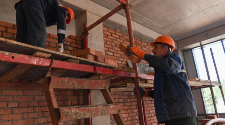 Александр Дрозденко одобрил программу льгот и преференций для строительных компаний, которые завершают проблемные объекты.