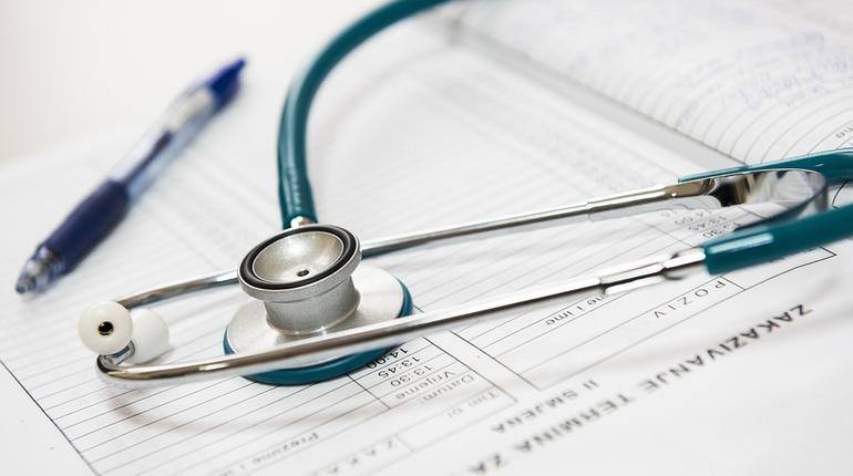 В детскую городскую больницу Петербурга в тяжелом состоянии госпитализирован школьник.