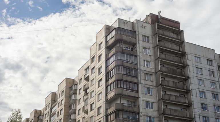 На заседании правительства в Смольном обсудили проблему внешнего вида спальных районов в Петербурге.