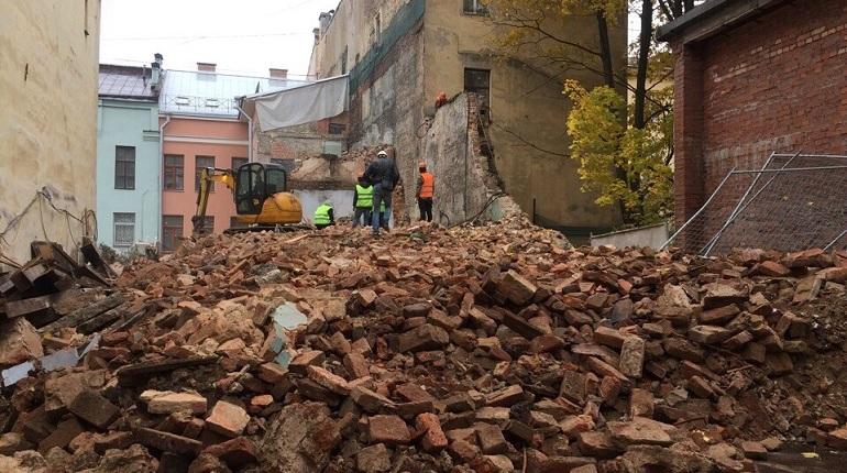 На улице Репина возобновили снос флигеля Филонова