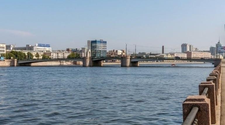 12-13 октября в Петербурге вступают в силу новые ограничения движения, в том числе - по Гренадерскому мосту.