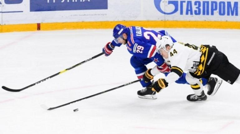Петербургский СКА в очередном матче регулярного чемпионата КХЛ в Ледовом Дворце обыграл