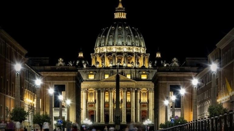 Ватикан не будет контактировать с неканоническими церквями на Украине — СМИ