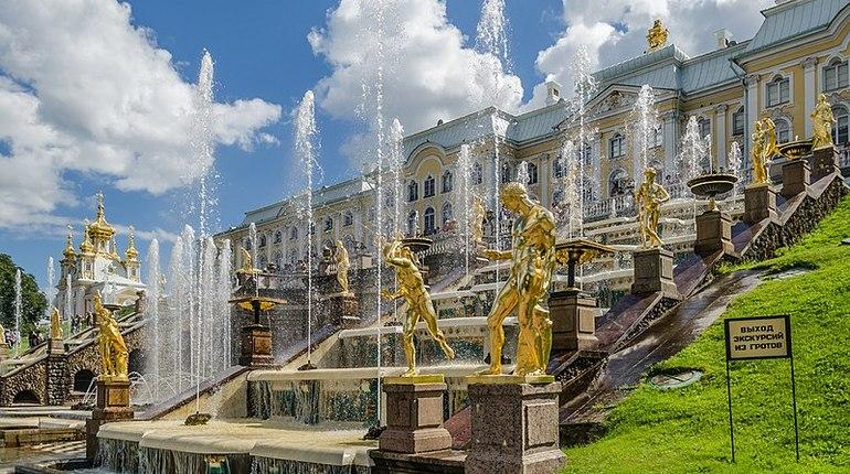 Фонтаны в Петергофе в воскресенье уйдут в «спячку» до весны