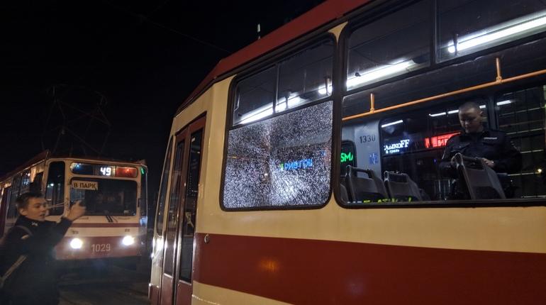 На Бухарестской трамвай попал под обстрел