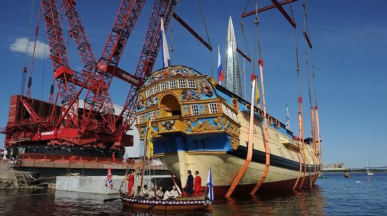 Проект начального этапа строительства культурно-исторического центра, в котором будет выставлена копия парусника Петра I