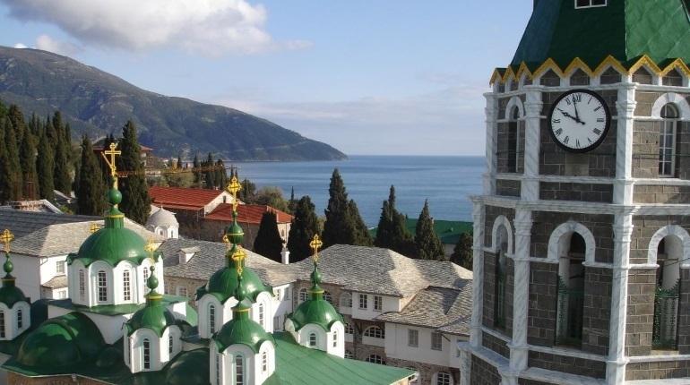 После разрыва отношений РПЦ с Константинопольским патриархатом у паломников возникли проблемы с получением виз для посещения Афона.