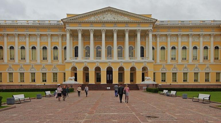 Заседание Заксобрания, американское кино и Карл Маркс в Русском музее: события 17 октября