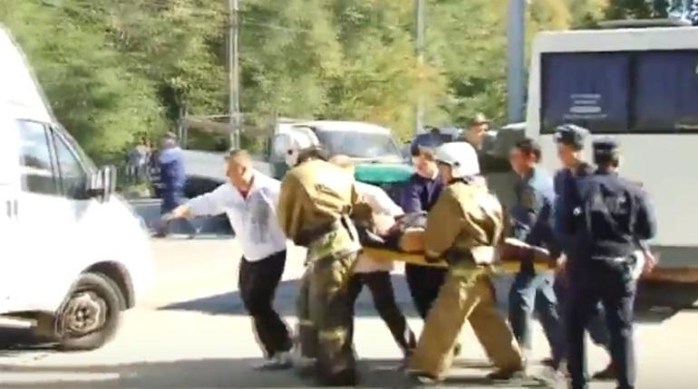МЧС отправляет вертолеты к месту взрыва в Керчи
