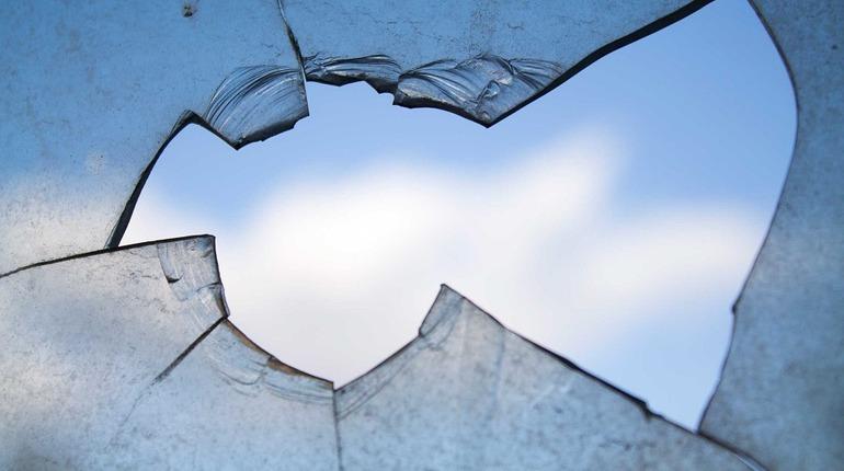 Кто ответит за разбитые при капремонте окна