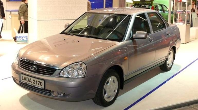 Самым популярным подержанным автомобилем у жителей России стал представитель отечественного автопрома. Об этом в пятницу, 19 октября, заявили аналитики Avito.