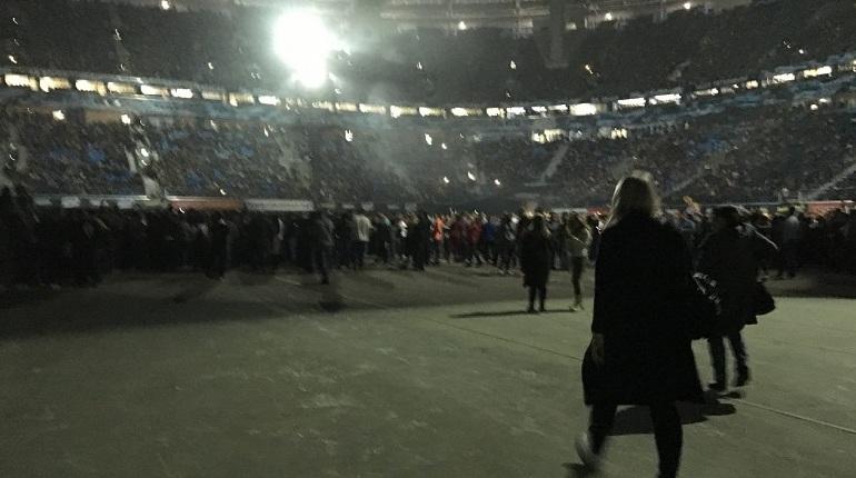 Стадион «Санкт-Петербург» оставили без газона ради Шнурова