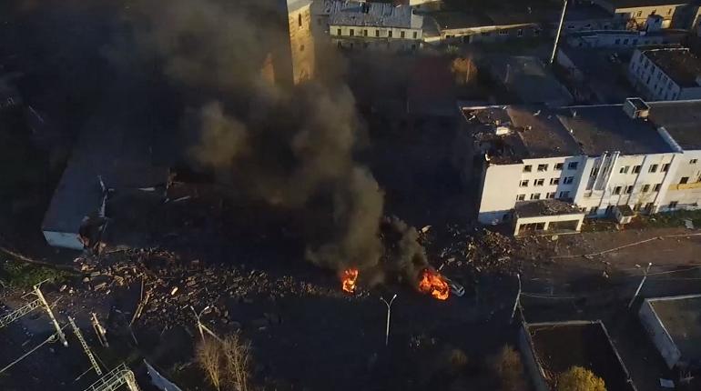 В сети появилась съемка последствий взрыва на гатчинском пиротехническом заводе