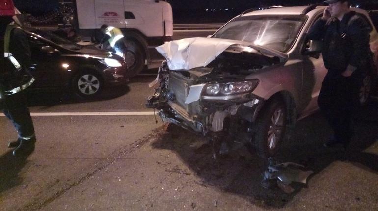 Очевидцы: в массовой аварии на КАД пострадали трое