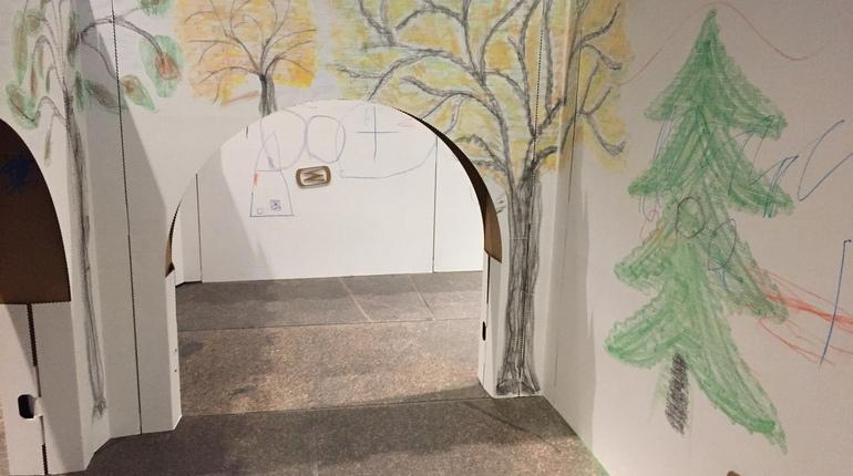 «Краски детства» в Эрмитаже и военная реконструкция: события 21 октября