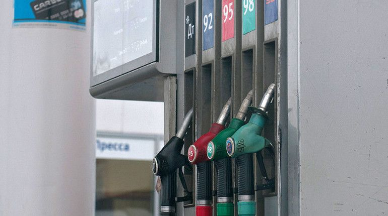 Цены набензин небудут расти доконца года