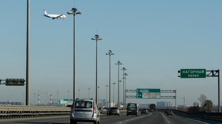 В Росавтодоре определились с подрядчиком, который будет заниматься содержанием дорожных сооружений на Кольцевой автомобильной дороге в Петербурга. Об этом сообщается на сайте госзакупок.