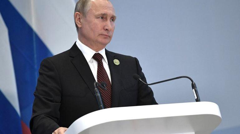 Президент РФ Владимир Путин подписал указ о введении специальных экономических мер в отношении Украины. Об этом сообщается на сайте кремля.