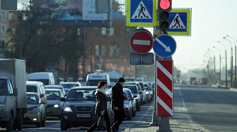 Петербуржцы стали чаще жаловаться на жилищно-коммунальные услуги