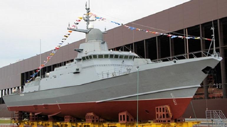 Малый ракетный корабль «Буря» спустили на воду под Петербургом