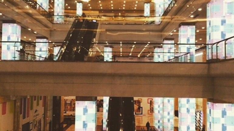 В торговом центре Columbus в столичном Чертаново рухнули ступени эскалатора. В результате ЧП никто не пострадал.