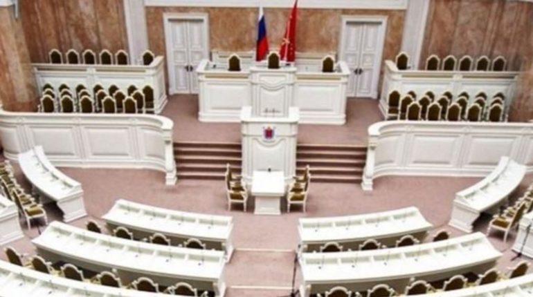 Делами несовершеннолетних в Петербурге займется новая спецслужба