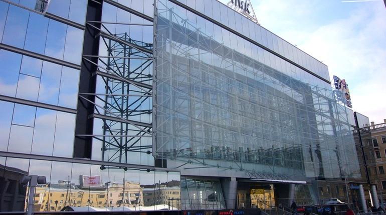 В Петербурге Фонд имущества продал аварийное нежилое здание на Гороховой улице, которое расположено в 350 метрах от ТРК