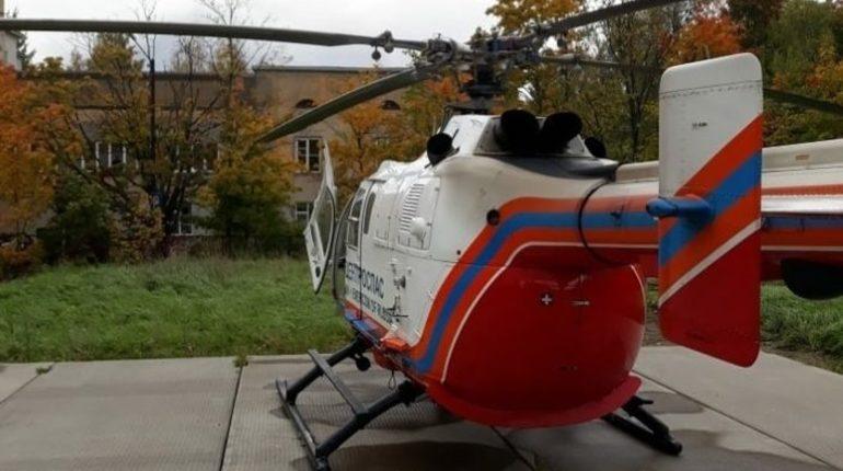 Вертолет санитарной авиации доставил в Петербург из Приозерска тяжелобольного девятимесячного ребенка. Его отправили в Детскую областную клиническую больницу.