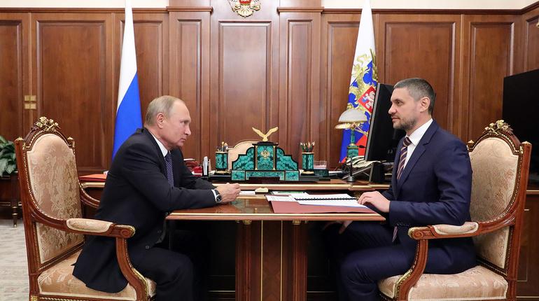 Президент России Владимир Путин провел встречу с Александром Осиповым, в ходе которой назначил его врио губернатора Забайкальского края. Об этом сообщается на сайте Кремля.