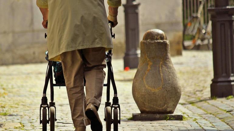Власти Петербурга начнут доплачивать людям предпенсионного возраста