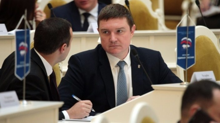 Депутат ЗакСа Петербурга Алексей Цивилев предложил врио губернатора города Александру Беглову создать рабочую группу по строительству петербургской подземки.