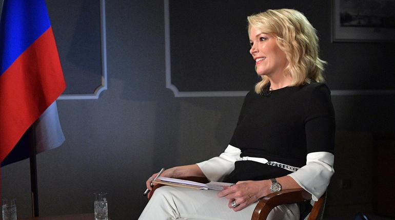 Журналистка Мегин Келли, которую уволили с телеканала NBC из-за расистского скандала, потребовала 50 млн долларов с компании.