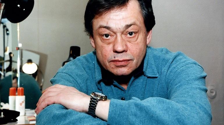 Российский и советский актер Николай Караченцов скончался сегодня утром в Москве, об этом рассказал его сын.