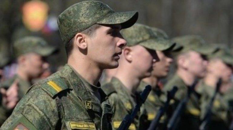 Призыв в Петербурге идет по плану