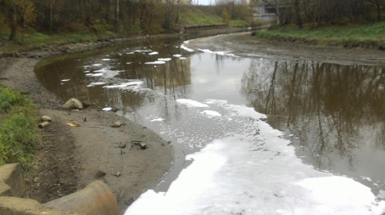 Славянку спасли от 2 тонн нефтяных загрязнений